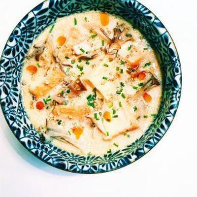 厚揚げと舞茸の豆乳スープ